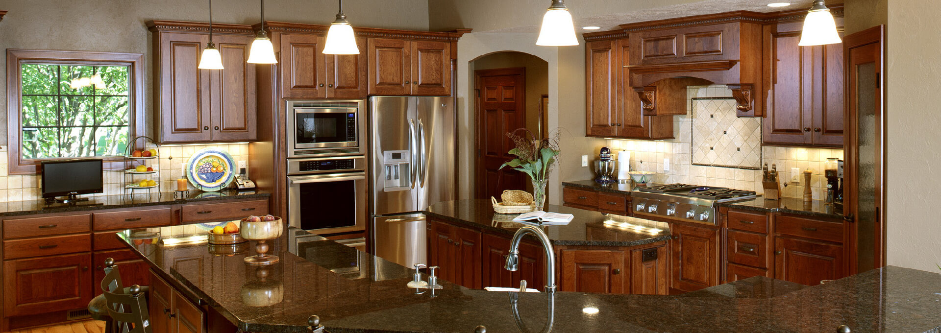 Cabinets, Countertops & Showroom In